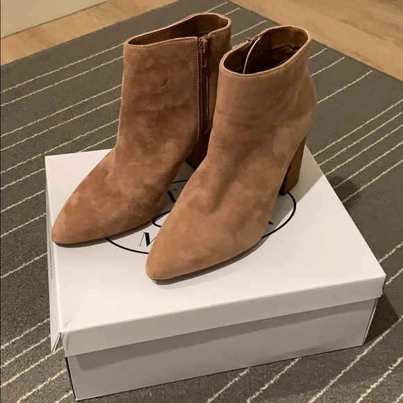 Steve Madden Simmer Tan Suede Ankle